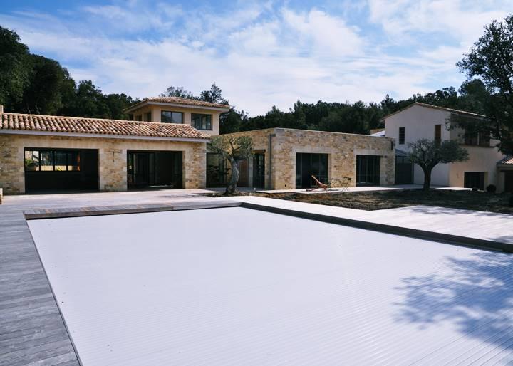 Construction D Une Magnifique Maison En Pierre Dans Le Gard